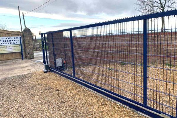 Commercial gate blue