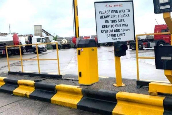 00004Parking Barrier widnes yellow
